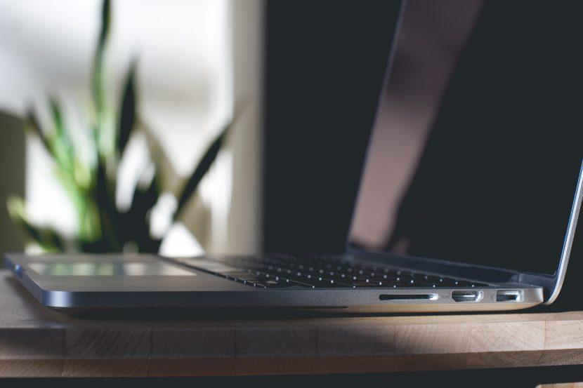freelace translator laptop